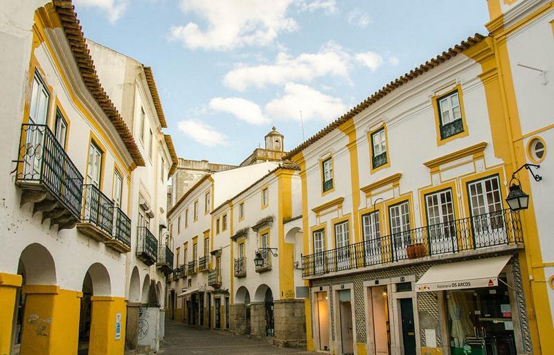 Vivre dans l'Alentejo à Evora la capitale régionale
