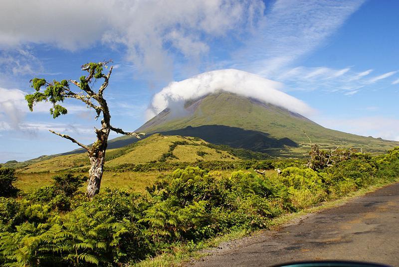 Açores Montanha do Pico, point culminant du Portugal